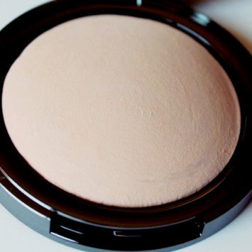 Photo of LORAC POREfection Baked Perfecting Powder uploaded by Rosa H.