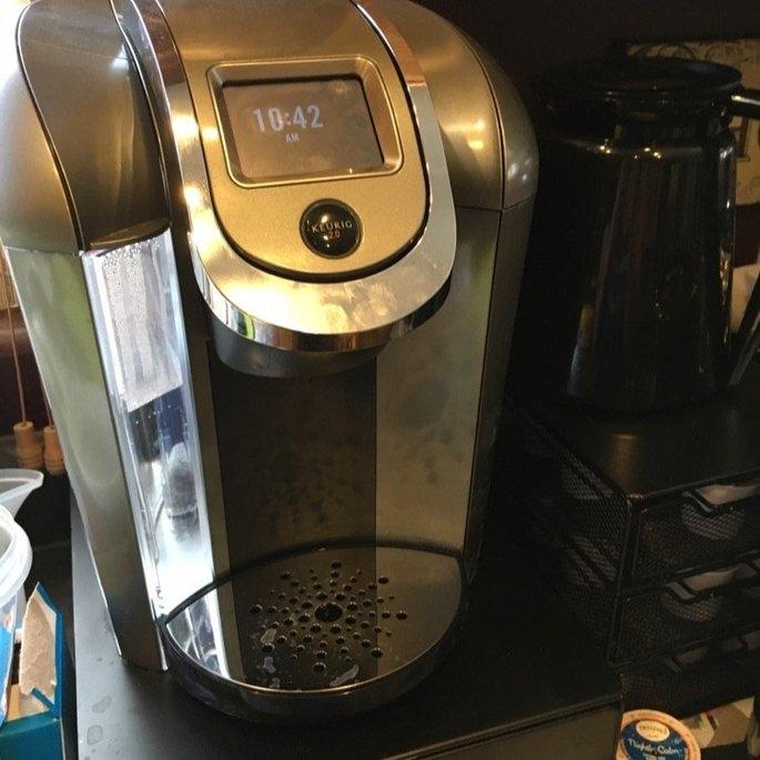 Keurig - 2.0 K550 4-cup Coffeemaker - Black/dark Gray uploaded by Noelle W.