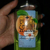 Bath & Body Works® Signature Collection PEACH & HONEY ALMOND Shower Gel uploaded by Tracy J.