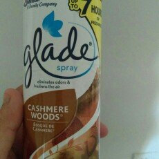 Photo of Glade Cashmere Woods Room Spray uploaded by Yohana A.