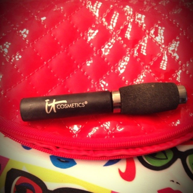 It Cosmetics Hello Lashes Clinically Proven 5-in-1 Mascara Mini uploaded by Lauren D.