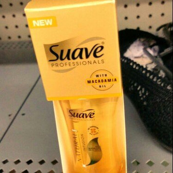Suave Professionals Natural Infusion Light Oil Spray Macadamia Oil and White Orchid uploaded by Darci M.