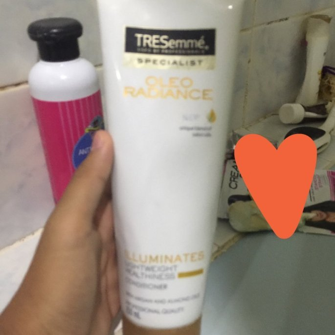 Tresemme Conditioner uploaded by Jelaika Marie P.