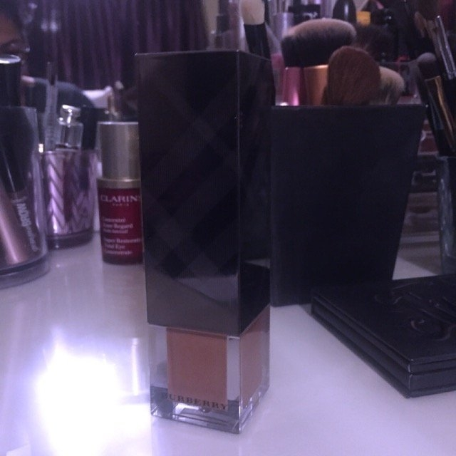 Burberry Beauty Fresh Glow Luminous Fluid Base, 01 Nude Radiance uploaded by Manasa A.
