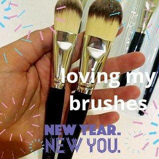 Photo of MAC Cosmetics MAC Brush 190 Makeup 1 1/4