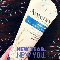 Photo of Aveeno Active Naturals Skin Relief with Soothing Oat Essence Moisturizing Lotion uploaded by Jessica L.