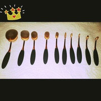 KINGMAS® Oval Makeup Brush Cosmetic Foundation Cream Powder Blush Makeup Tool uploaded by Rosa M.