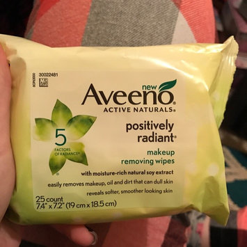 Photo of Aveeno® Active Naturals Positively Radiant Makeup Removing Wipes uploaded by Nina I.