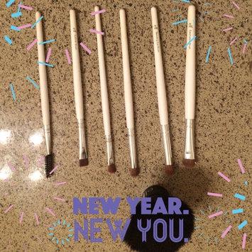 e.l.f. Eye Crease Brush uploaded by Natalia B.