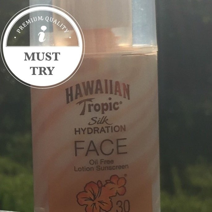 Hawaiian Tropic Silk Hydration Sunscreen Face Lotion with SPF 30 - 1. uploaded by Lisa W.