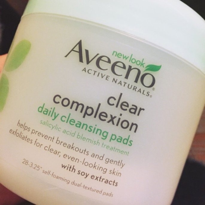 Aveeno Clear Complexion Daily Cleansing Pads uploaded by Michaela V.