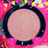 NYX Cosmetics Illuminator uploaded by ELIANA T.