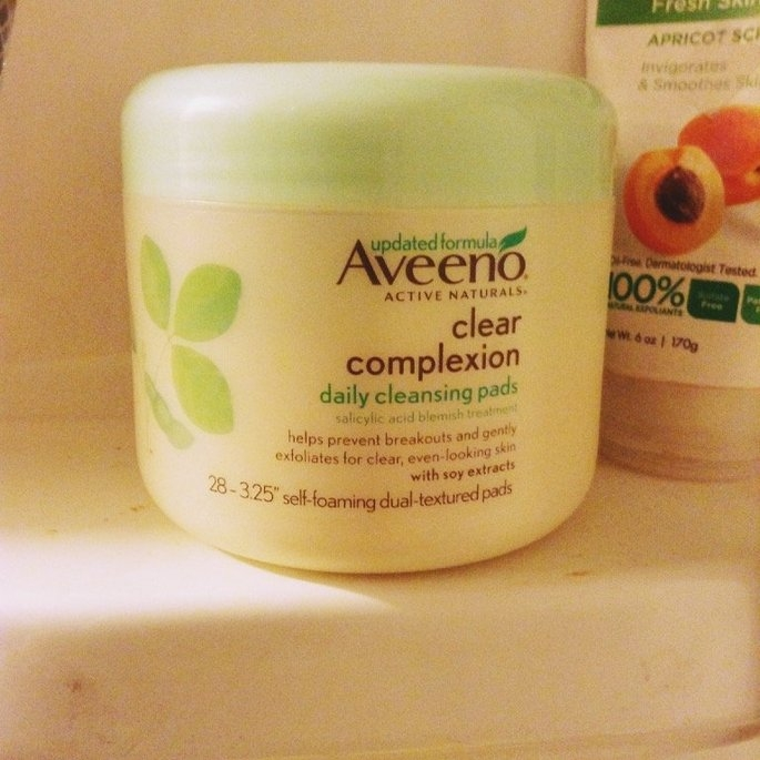 Aveeno Clear Complexion Daily Cleansing Pads uploaded by Kasey G.
