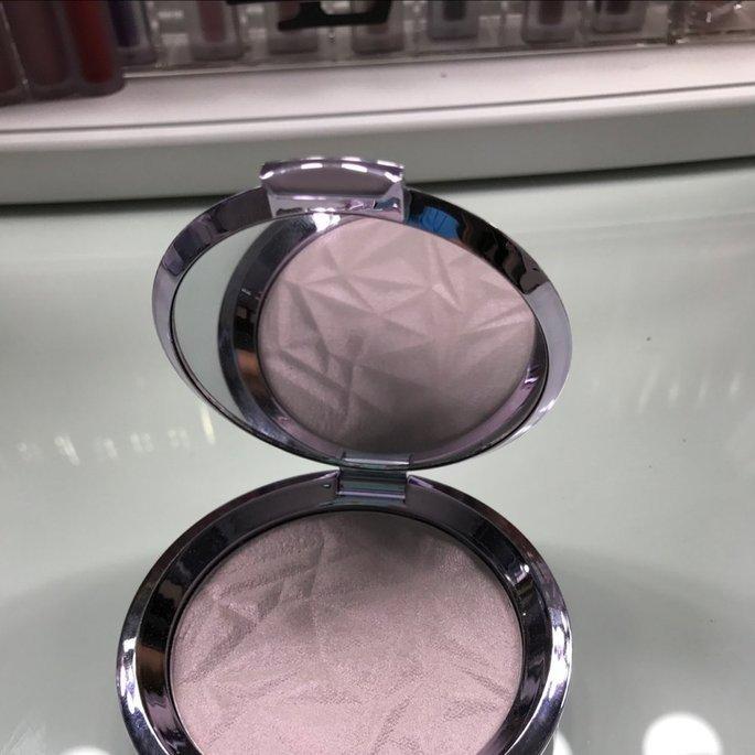 BECCA Shimmering Skin Perfector Pressed Prismatic Amethyst uploaded by Elizabeth L.