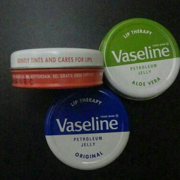 Vaseline® Lip Therapy® Rosy Lips Lip Balm Tin uploaded by Tania m.