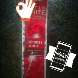 Photo of Colgate Optic White Express White Toothpaste uploaded by CVT/ Ligia R.