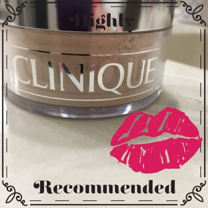 Clinique Blended Face Powder & Brush uploaded by Maysa P.