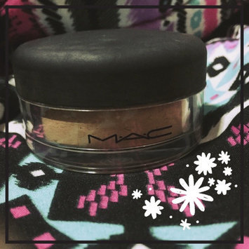 Photo of MAC Mineralize Loose Powder Foundation uploaded by Lia F.