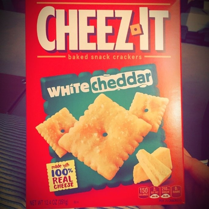 Sunshine Cheez-It Baked Snack Crackers White Cheddar uploaded by Mandy W.