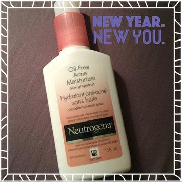 Neutrogena Oil-Free Acne Moisturizer uploaded by Clara S.