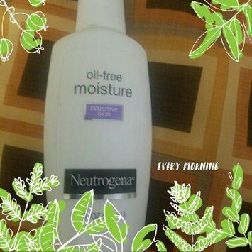 Neutrogena Oil-Free Moisture Facial Moisturizer SPF 35 uploaded by Keyosha H.
