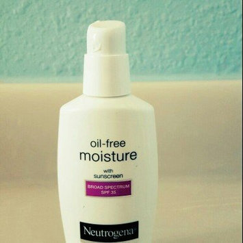 Neutrogena Oil-Free Moisture Facial Moisturizer SPF 35 uploaded by Cinthia V.