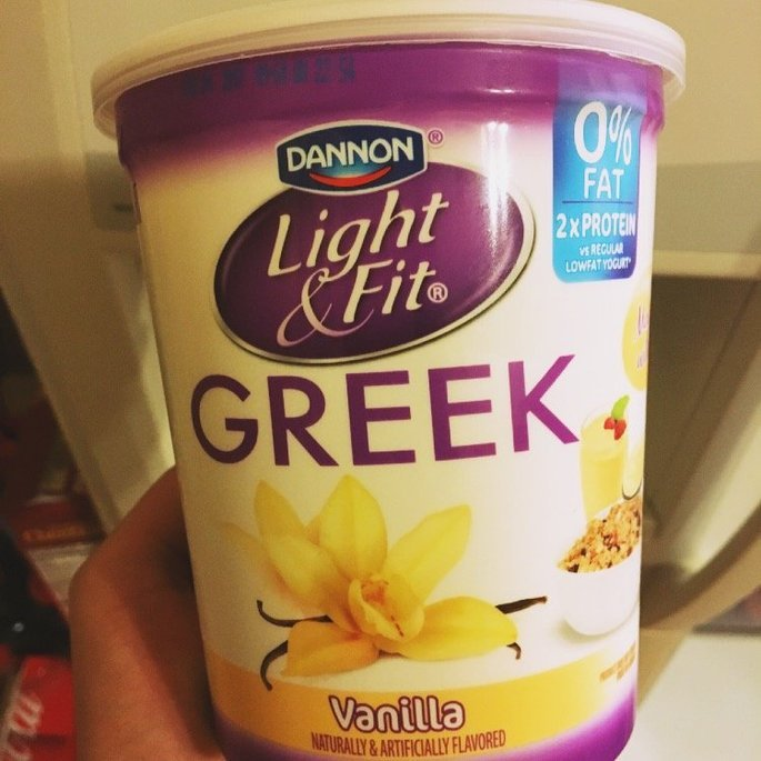 Dannon® Oikos® Cookies & Cream Greek Frozen Yogurt 1 pint Carton uploaded by Mariela G.