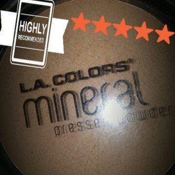 Photo of L.A. Colors Mineral Pressed Powder uploaded by Jenny B.