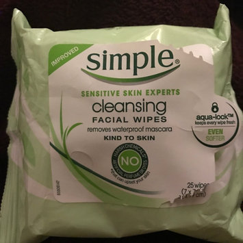 Simple® Eye Makeup Remover Pads uploaded by member-35cb1395c