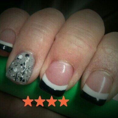 Kiss Complete Salon Acrylic Nail Kit uploaded by Melissa T.