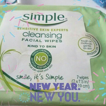Photo of Simple Oil Balancing Cleansing Wipes uploaded by Rose P.