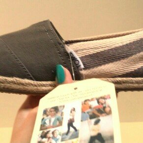 Toms Womens Classic Stripe University Slip On Casual Shoe [Dark Grey, 5.5 B(M) US] uploaded by cynthia p.