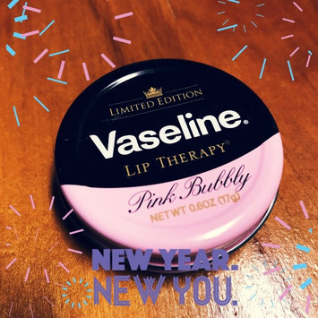 Photo of Vaseline Limited Edition Lip Therapy Pink Bubbly Tin uploaded by Claire L.