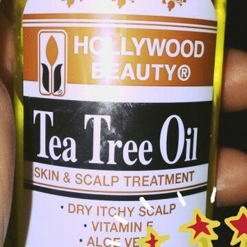 Photo of Hollywood Beauty Tea Tree Oil Skin and Scalp Treatment uploaded by elizabeth c.