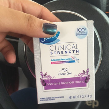 Secret® Clinical Strength Smooth Solid Women's Antiperspirant & Deodorant Fearlessly Fresh Scent uploaded by Valeska F.