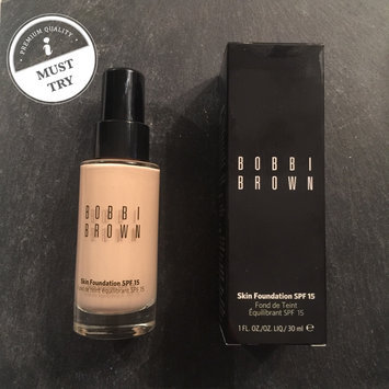 Photo of Bobbi Brown Natural Finish Long Lasting Foundation SPF 15 uploaded by Lulu Hoa B.