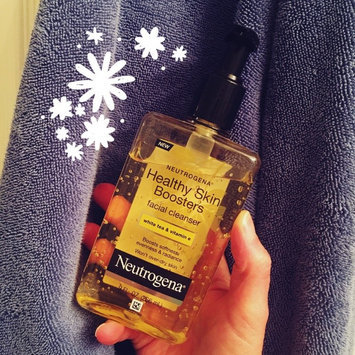 Photo of Neutrogena® Healthy Skin Boosters Facial Cleanser uploaded by Amy R.