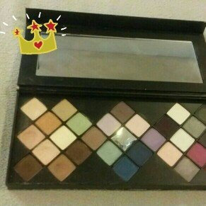 Photo of Smashbox ON THE ROCKS PHOTO OP EYE SHADOW LUXE PALETTE New! Holiday 2014 Limited Edition uploaded by Maria D.
