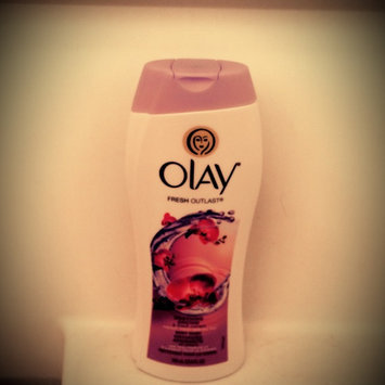Photo of Olay Luscious Embrace Cleansing Body Wash uploaded by Amber G.