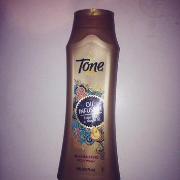 Photo of Tone® Oil Infusion Rejuvenating Body Wash 16 fl. oz. Bottle uploaded by Jhoan H.