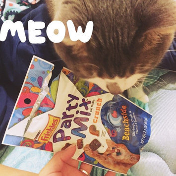 Photo of Purina Friskies Party Mix Beachside Crunch Cat Treats uploaded by Jasmine O.
