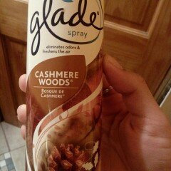 Photo of Glade Cashmere Woods Room Spray uploaded by Isabel G.