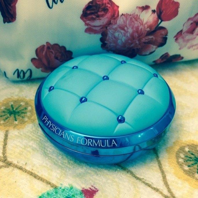 Physicians Formula® Mineral Wear® Talc-Free All-in-1 Cushion Foundation Light/Medium 6657 0.47 fl. oz. Box uploaded by Ally L.