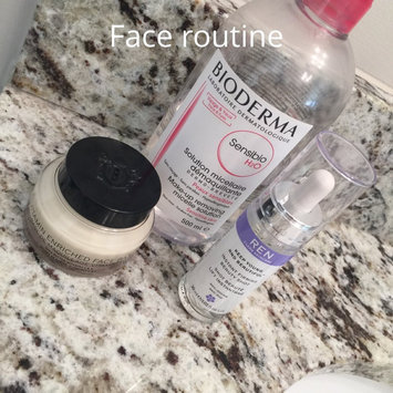 Bobbi Brown Vitamin Enriched Face Base 1.7 Oz. uploaded by Marielis L.