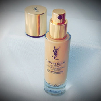 Photo of Yves Saint Laurent Touche Éclat Foundation uploaded by Kimmy L.