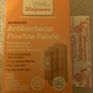 Photo of Walgreens Advanced Antibacterial Flexible Fabric Adhesive Bandages, Assorted, 30 ea uploaded by Crystal O.