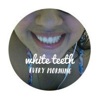 Crest 3D White Whitestrips with Light uploaded by Maria R.