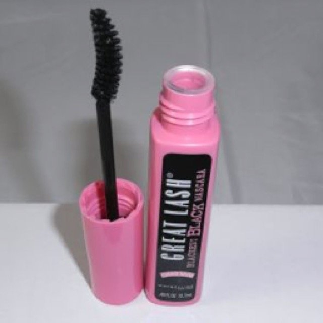 Maybelline Great Lash® Washable Curved Brush Mascara uploaded by Makenna h.