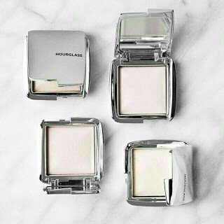 Hourglass Ambient® Strobe Lighting Powder uploaded by Katelyn O.