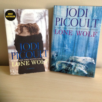 Photo of Lone Wolf by Jodi Picoult  uploaded by Cassie P.